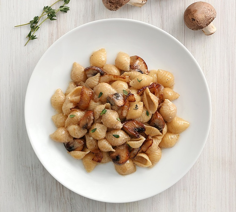 Shells with Cremini Mushrooms, Goat Cheese and Thyme