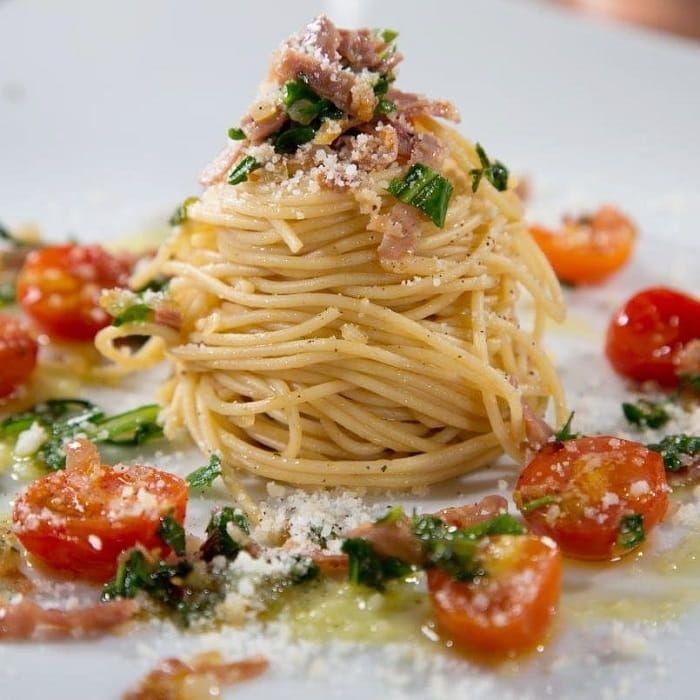Thin Spaghetti Recipe with Prosciutto, Cherry Tomatoes, Arugula and Sauteed Shallots