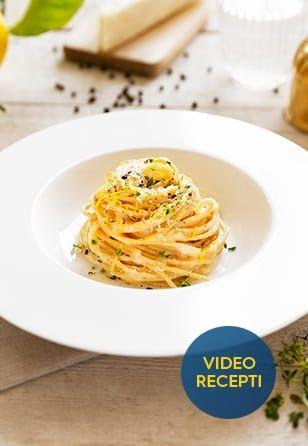 Z limono aromatizirani brezglutenski špageti »cacio e pepe«
