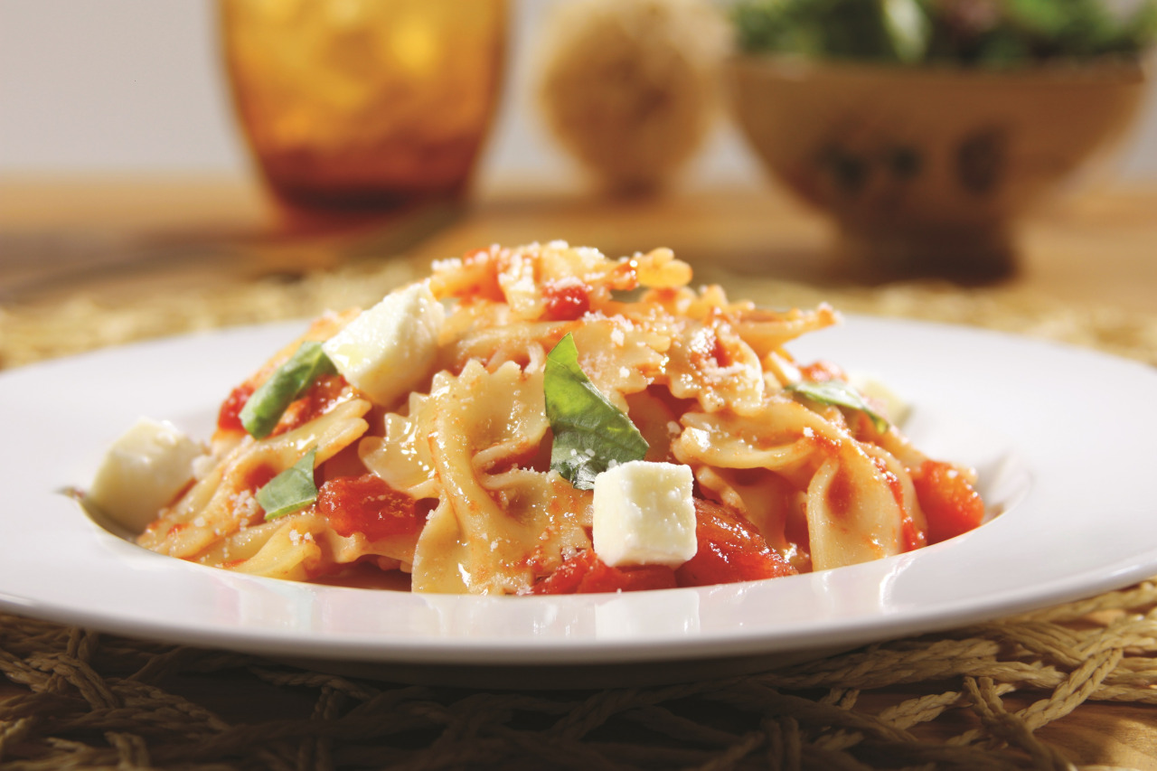 Farfalle with Tomatoes and Mozzarella