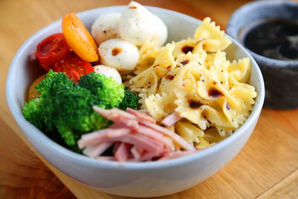 Mediterranean Farfalle Pasta Salad Recipe with Ham