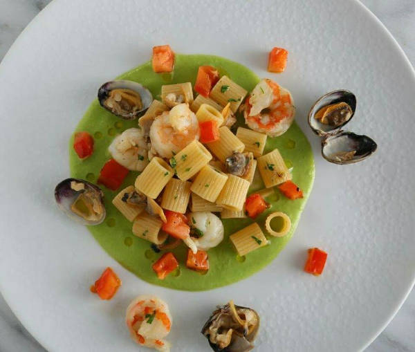 Mezzi Rigatoni Shrimp Pasta Recipe with Clams and Green Pea Sauce