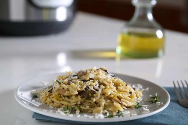 Instant Pot Orzo Recipe with Mushrooms & Leeks