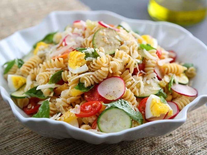 Rotini Pasta Salad with Raw Veggies and Egg