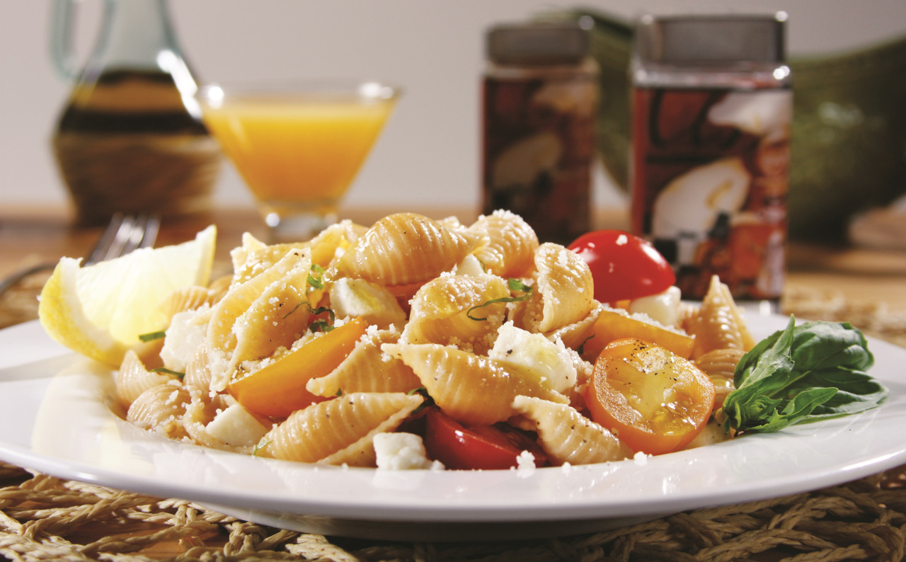 Shells with Cherry Tomatoes