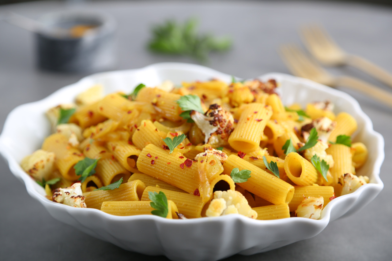 Spicy Rigatoni Pasta with Roasted Cauliflower and Curry