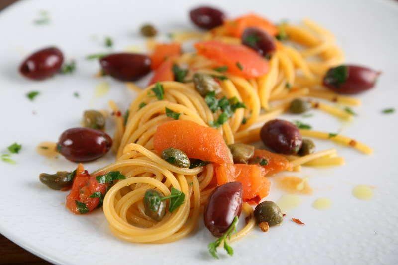 Thick Spaghetti Puttanesca