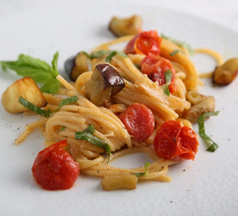 Thick Spaghetti Recipe with Cherry Tomatoes