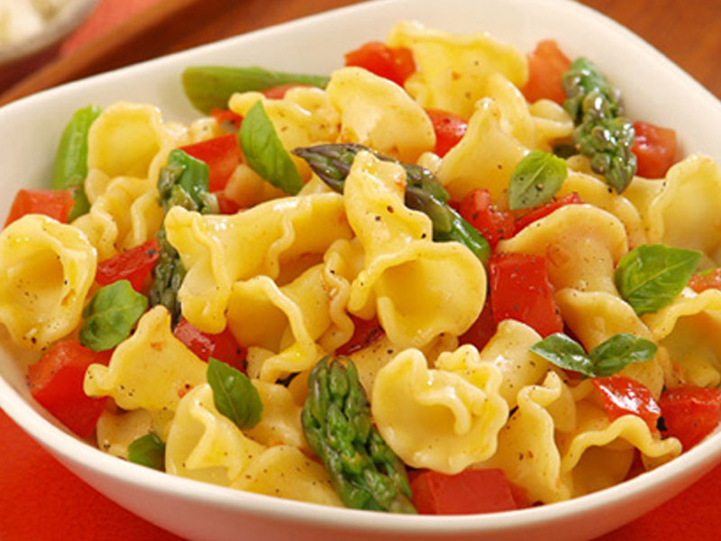 campanelle with asparagus and tomatoes