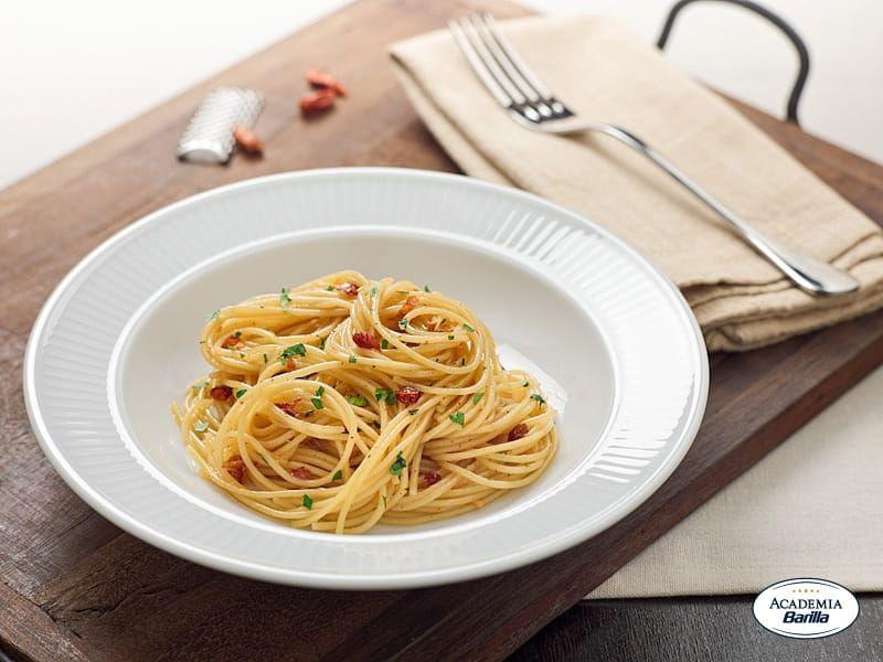 barilla organic spaghetti garlic oil and chili pepper recipe