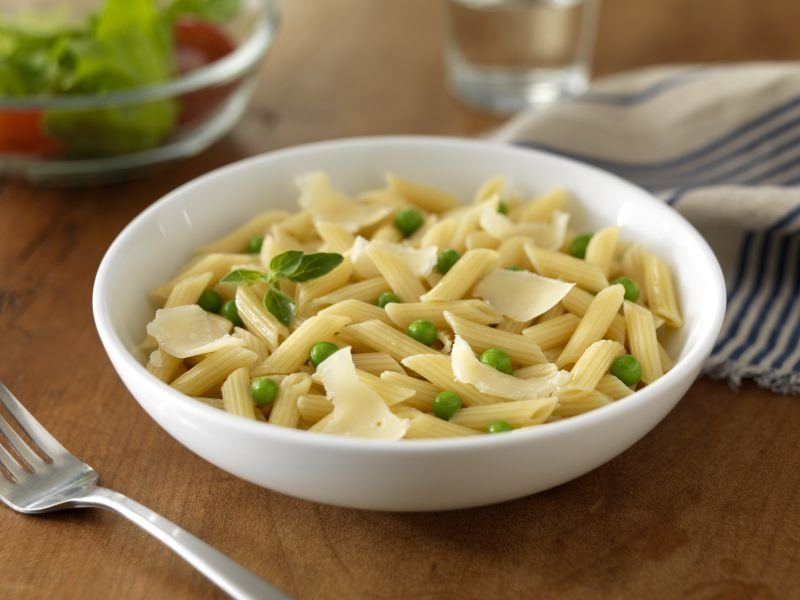 Ready Pasta Penne recipe with peas and cheese