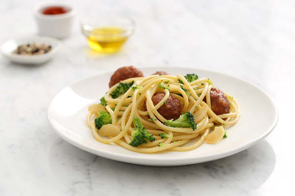 Jordan Fisher While the Water Boils Pasta Recipe: Bucatini with Turkey Meatballs