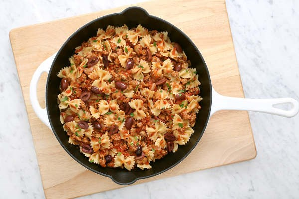 Farfalle Spicy Chicken Ragout recipe