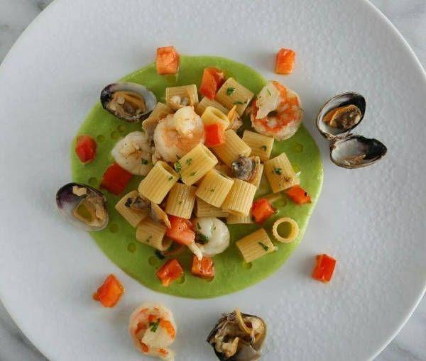 Mezzi Rigatoni Shrimp Pasta Recipe with Clams and Green Pea Sauce