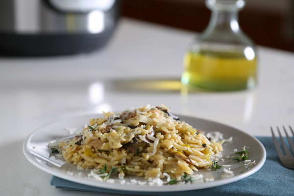 Instant Pot Orzo Recipe with Mushrooms & Leeks