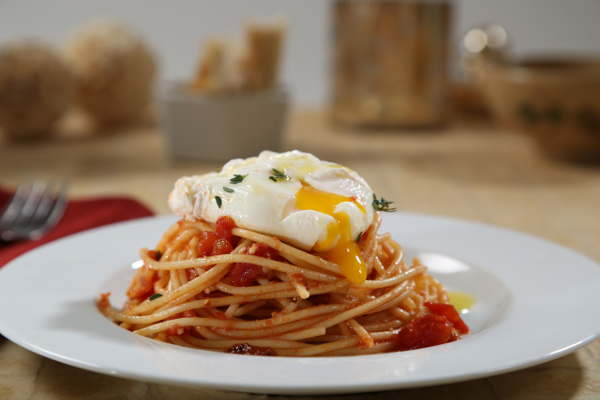 Spicy Spaghetti Marinara Recipe with Poached Eggs & Thyme