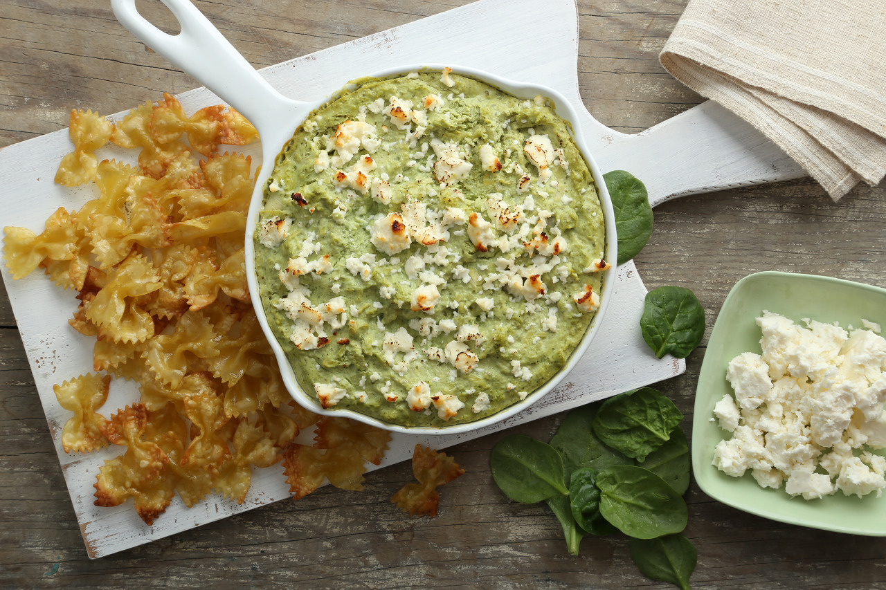Spinach Artichoke Dip with Pasta Chips