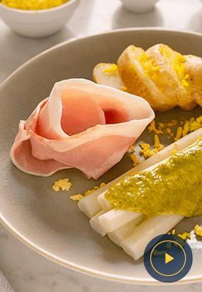 Bijele šparoge, šunka, krumpir i Pesto Genovese