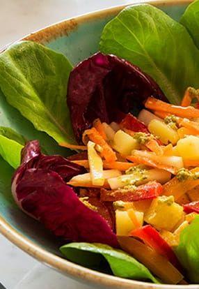 Miješana salata s dresingom Pesto Genovese