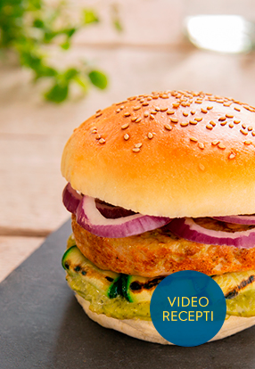 Pileći burger s povrćem i umakom Pesto