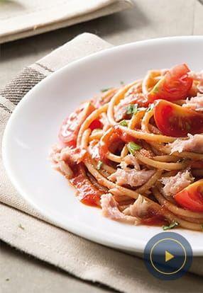Polnozrnati špageti in omaka z zelišči Barilla s tunino