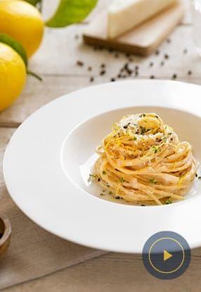 Z limono aromatizirani polnozrnati špageti »Cacio e pepe«