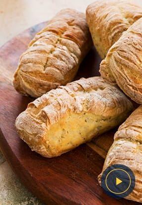 Kruh z genovskim pestom